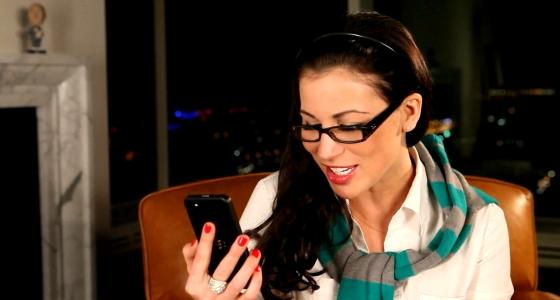 Video: Covermodel Rachelle Wilde demonstreert BlackBerry 10