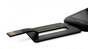 ChargeCard: usb-kabel in de vorm van een creditcard