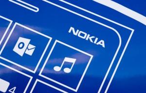 Nokia Lumia 1520 lekt uit in het geel