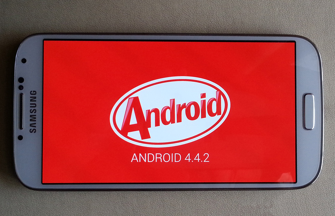 Samsung Galaxy S4 Android 4.4 update duikt op, download hem hier