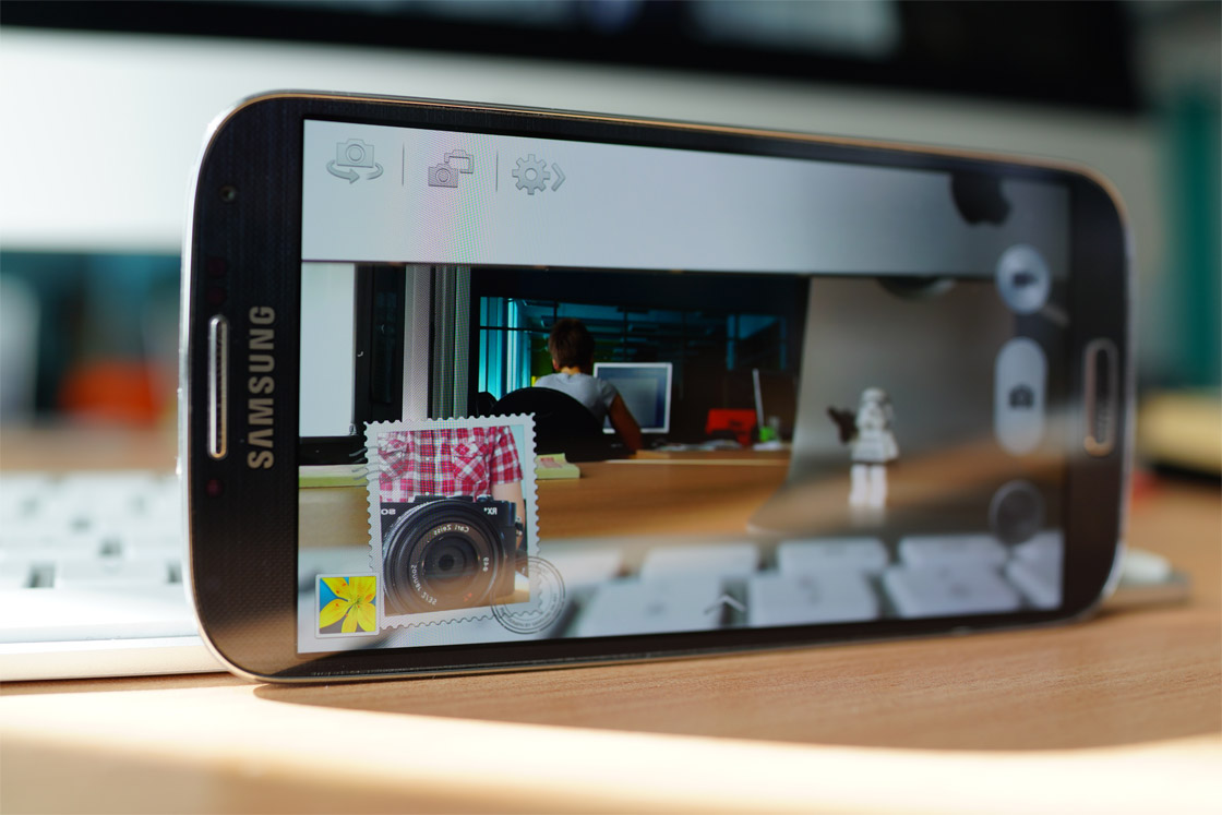Nog snel de Galaxy S4 kopen? Je krijgt nu overal €100 retour!