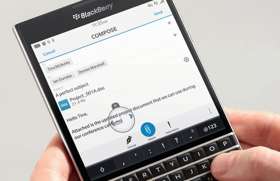 Video toont vierkante BlackBerry Passport met aanraakgevoelig keyboard