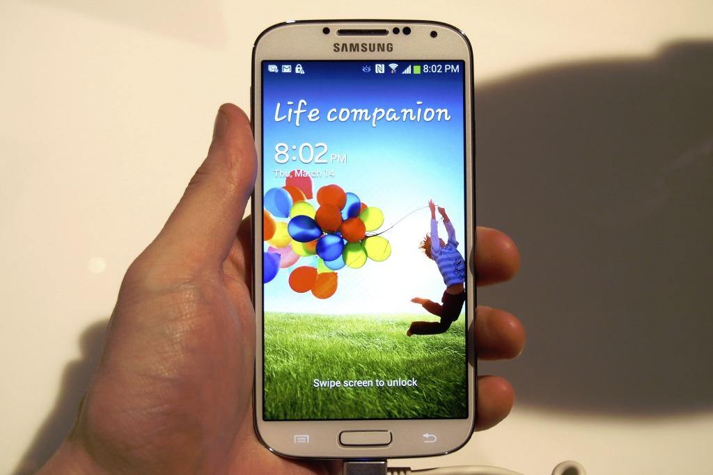 galaxy s4 midrange smartphones